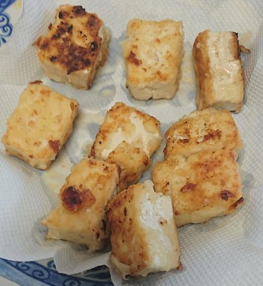 揚げ豆腐 牛赤味噌で食べました。