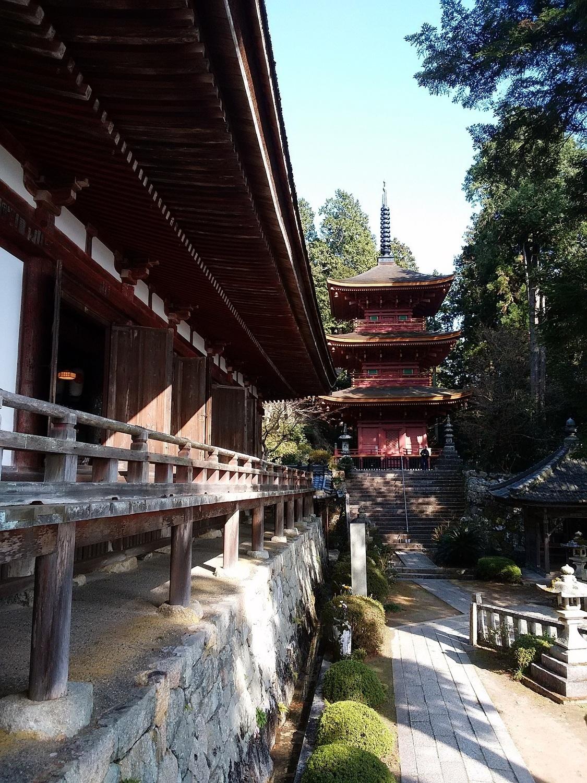 長命寺(本堂と三重塔)